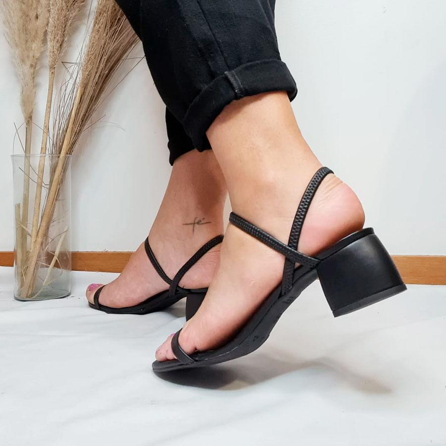 Sandália 2 em 1 com Elástico Preta