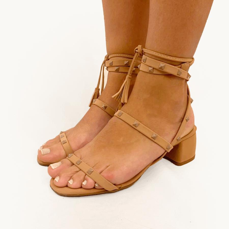 Sandália Tachinhas Nude