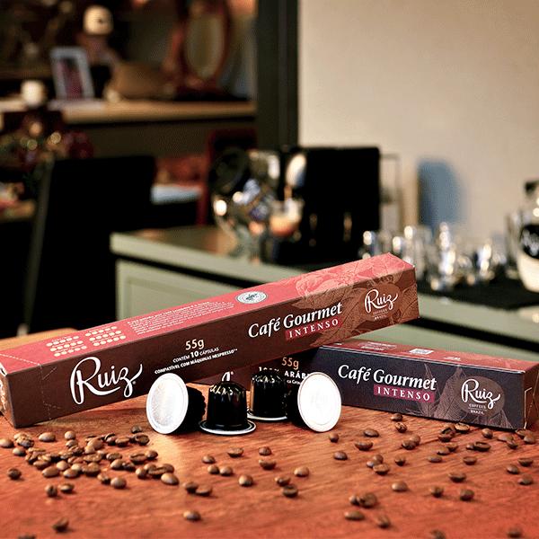 Kit com 10 caixas de Café Ruiz Gourmet + 10 caixas de Café Ruiz Gourmet Intenso - 200 cápsulas