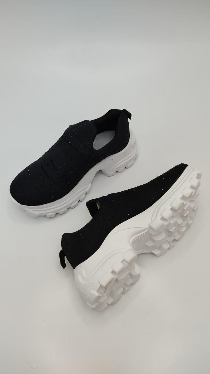Tênis Sneaker Preto Knit com strass