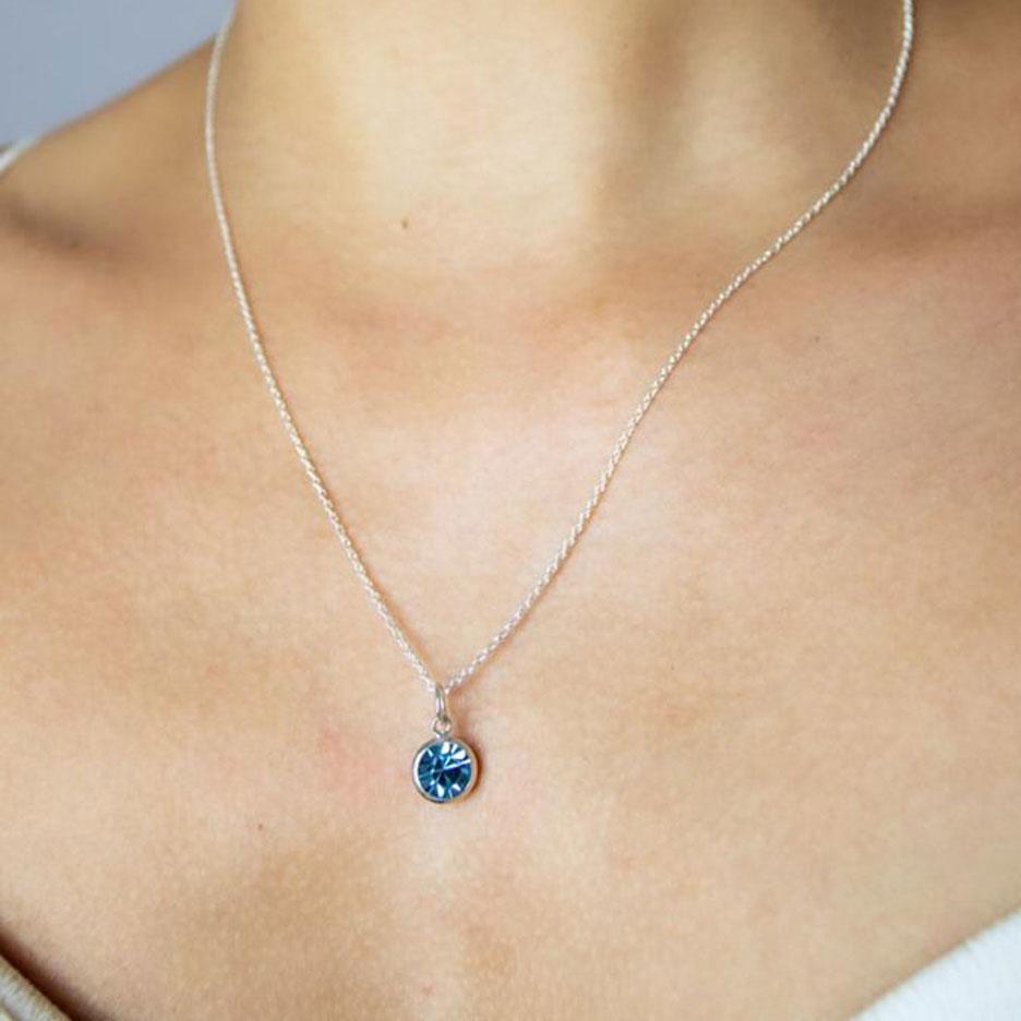 Colar Feminino de Prata com Pedrinha Azul Prata Vizaro