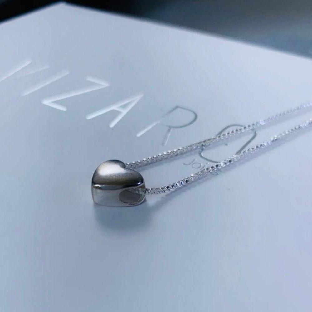 Colar Veneziana com Coração Abauloada em Prata