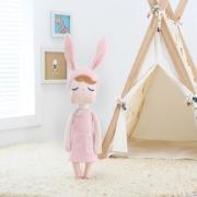 Boneca Mini MeToo Doll Angela Jardineira Rosa 20cm Original