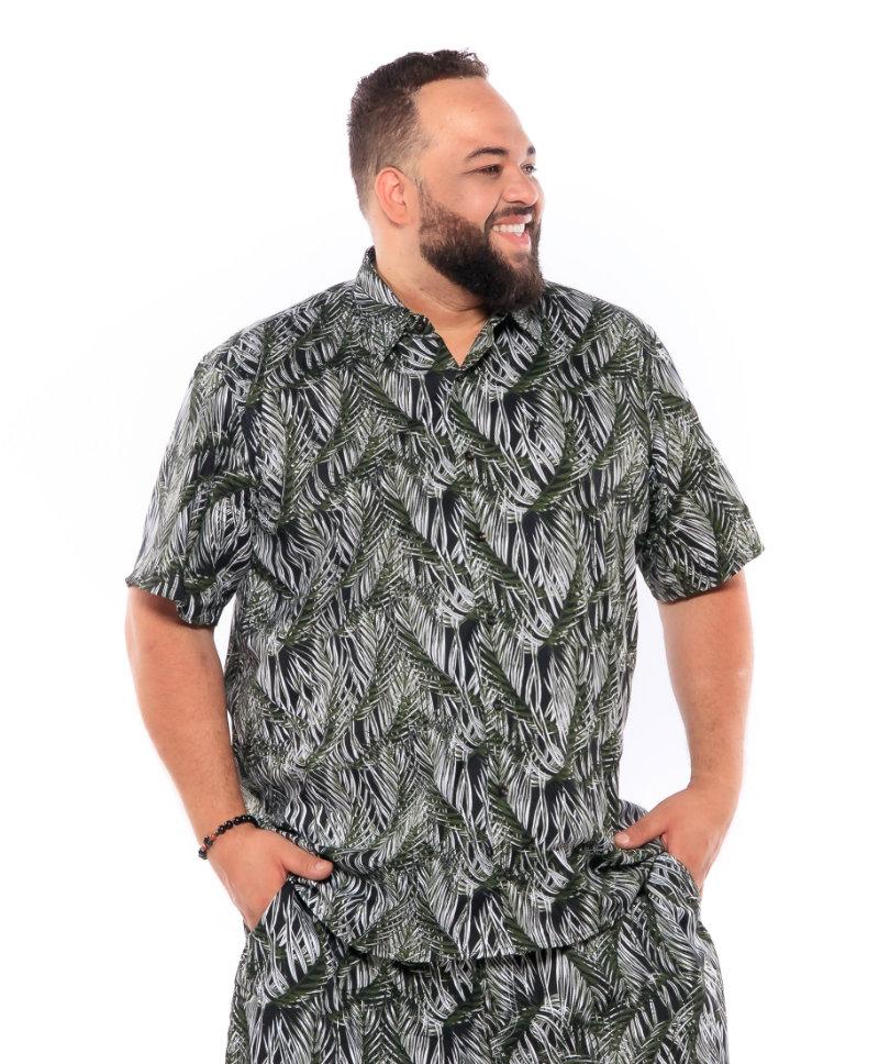 Camisa plus size Manga Curta Summer Folha Preta