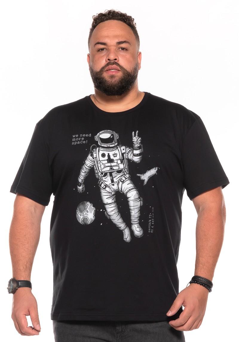 Camiseta plus size estampa Astronaut Preta
