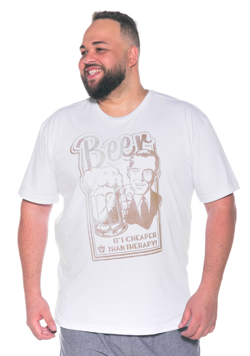 Camiseta plus size estampa Beer Branca