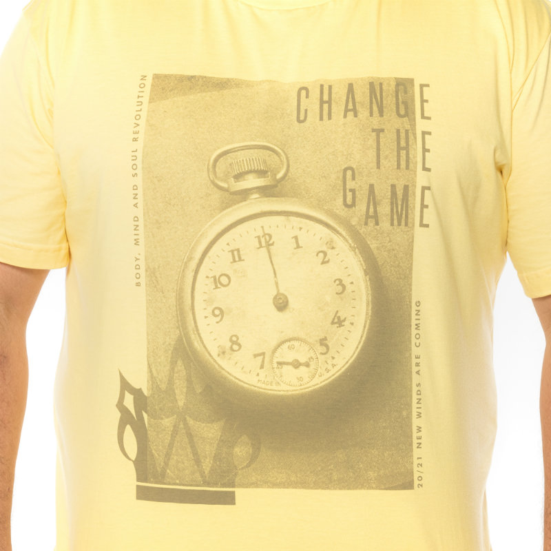 Camiseta plus size estampa Change Amarela