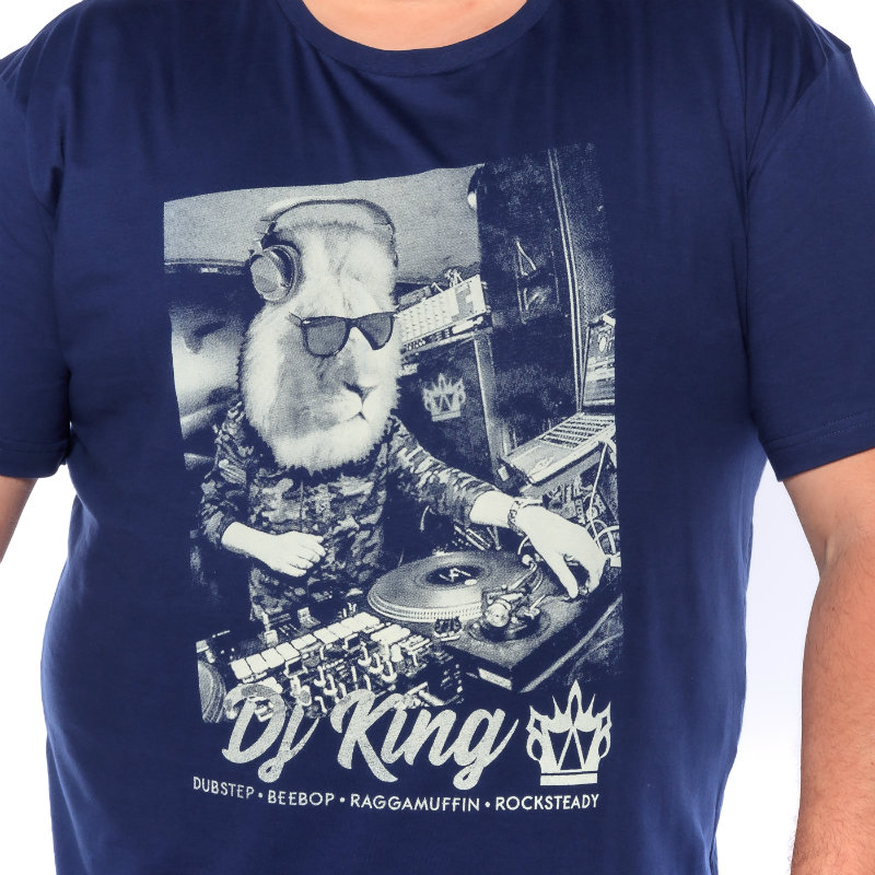 Camiseta plus size estampa Dj King Marinho