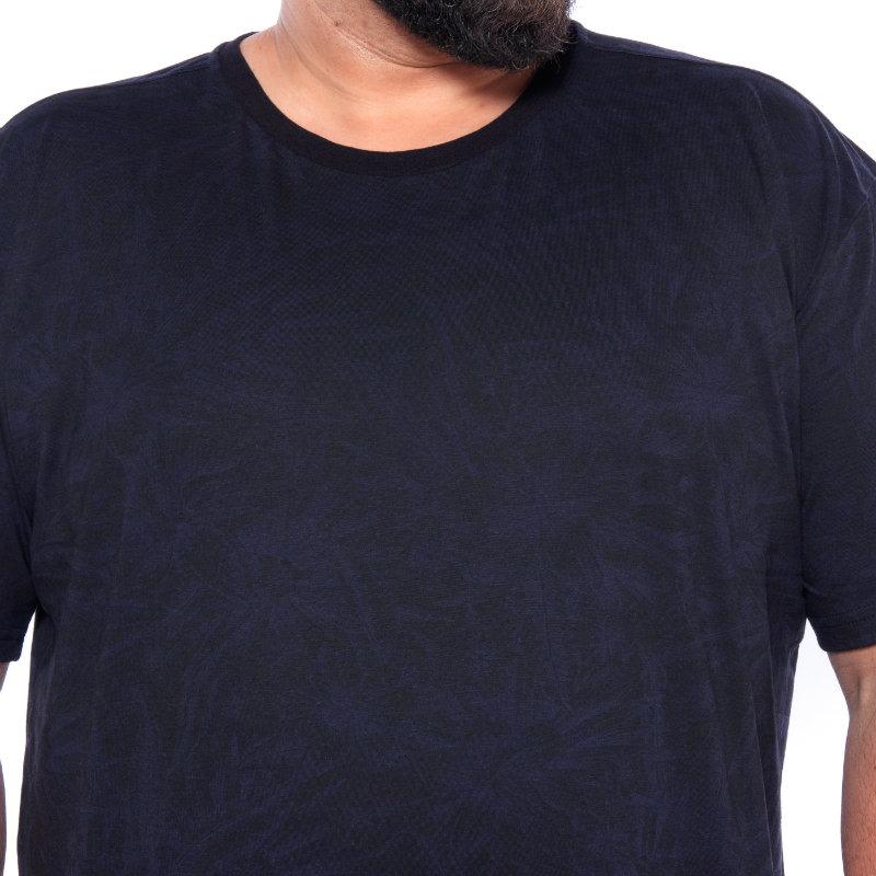 Camiseta plus size estampa Folha Azul Marinho