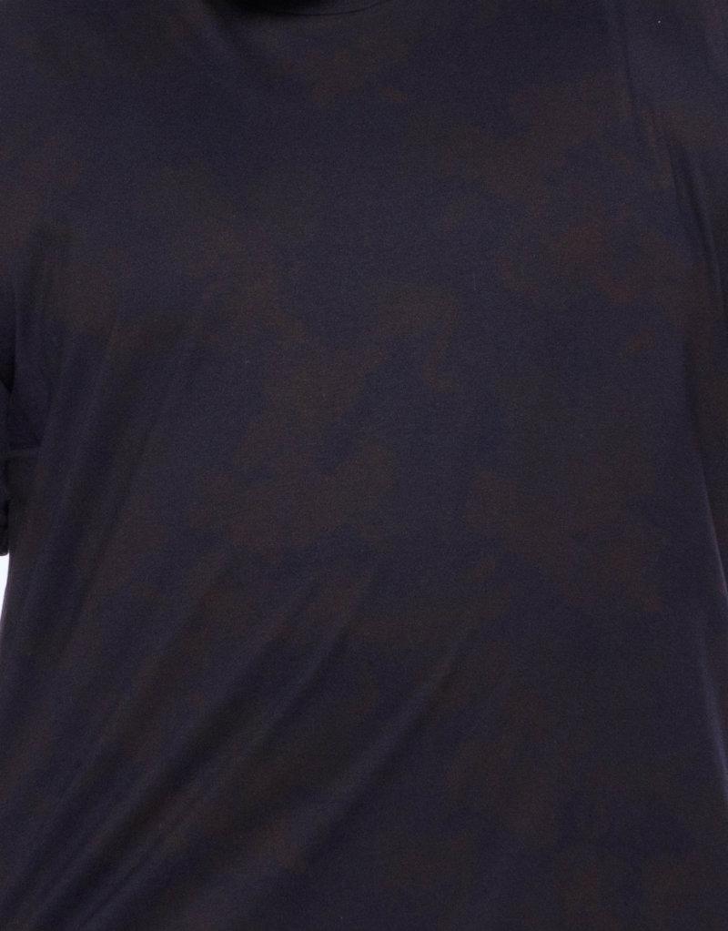Camiseta plus size estampa Folha Preta