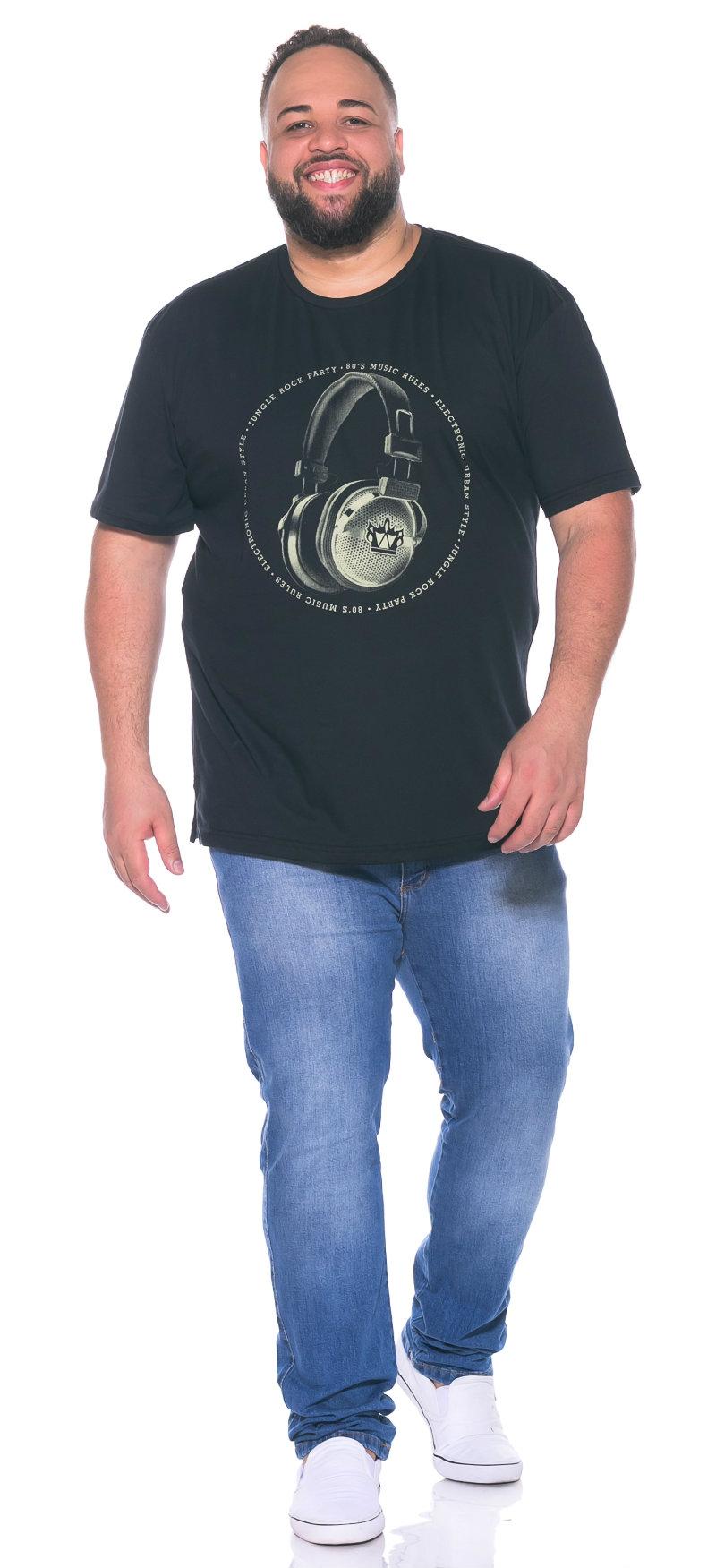 Camiseta plus size Fone Preta