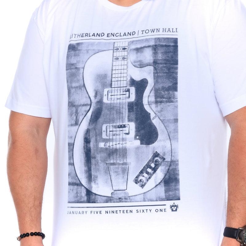 Camiseta plus size estampa Guitar Branca