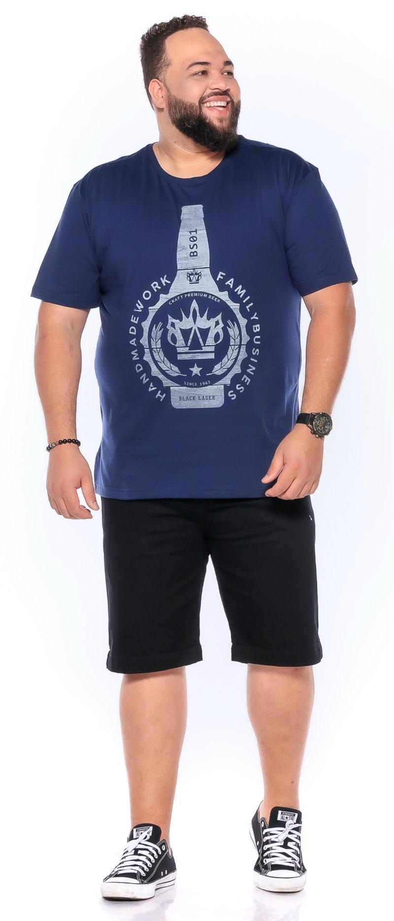 Camiseta plus size estampa New Beer Marinho