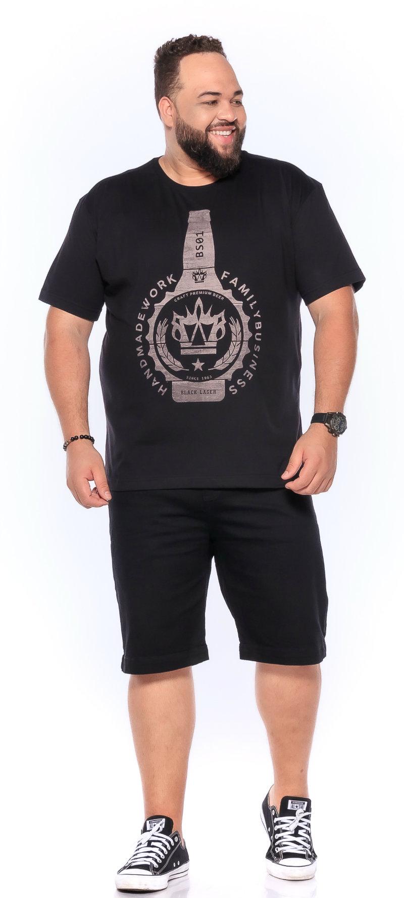 Camiseta plus size estampa New Beer Preta