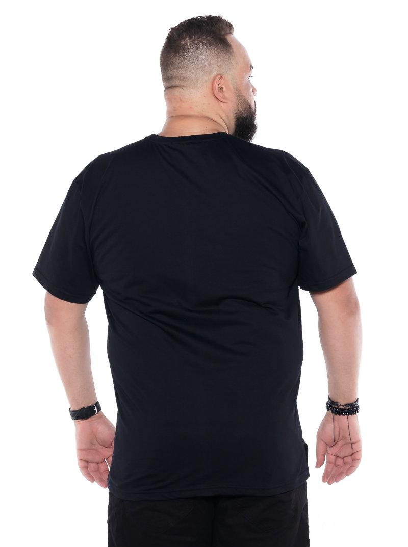 Camiseta plus size estampa Parede Preta