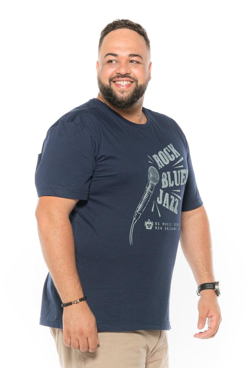 Camiseta plus size estampa Rock Marinho
