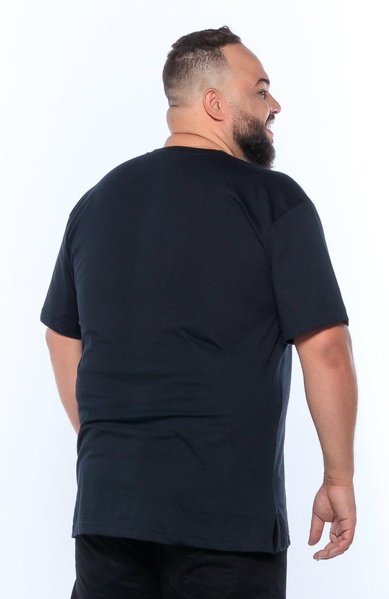 Camiseta plus size estampa Shoes Preta