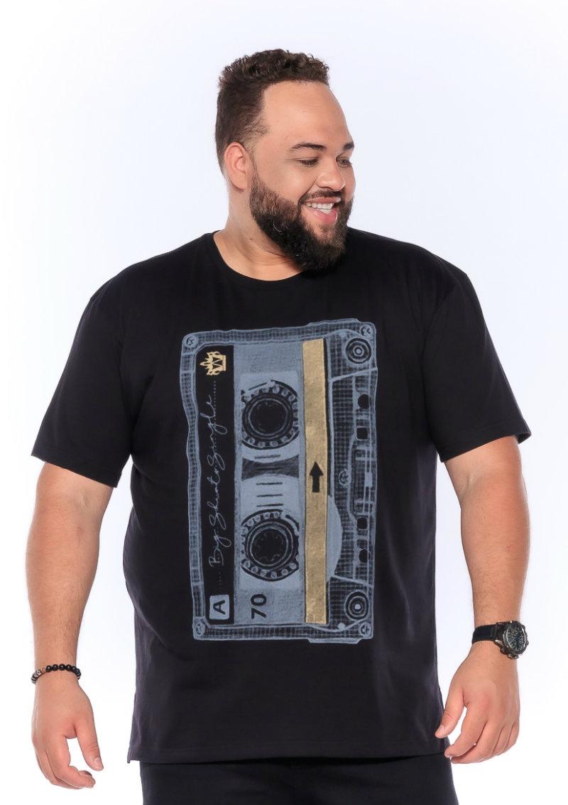 Camiseta plus size estampa Tape Preta