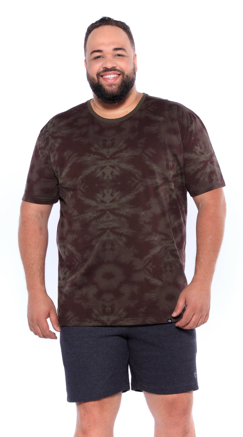 Camiseta plus size estampa Verde Militar