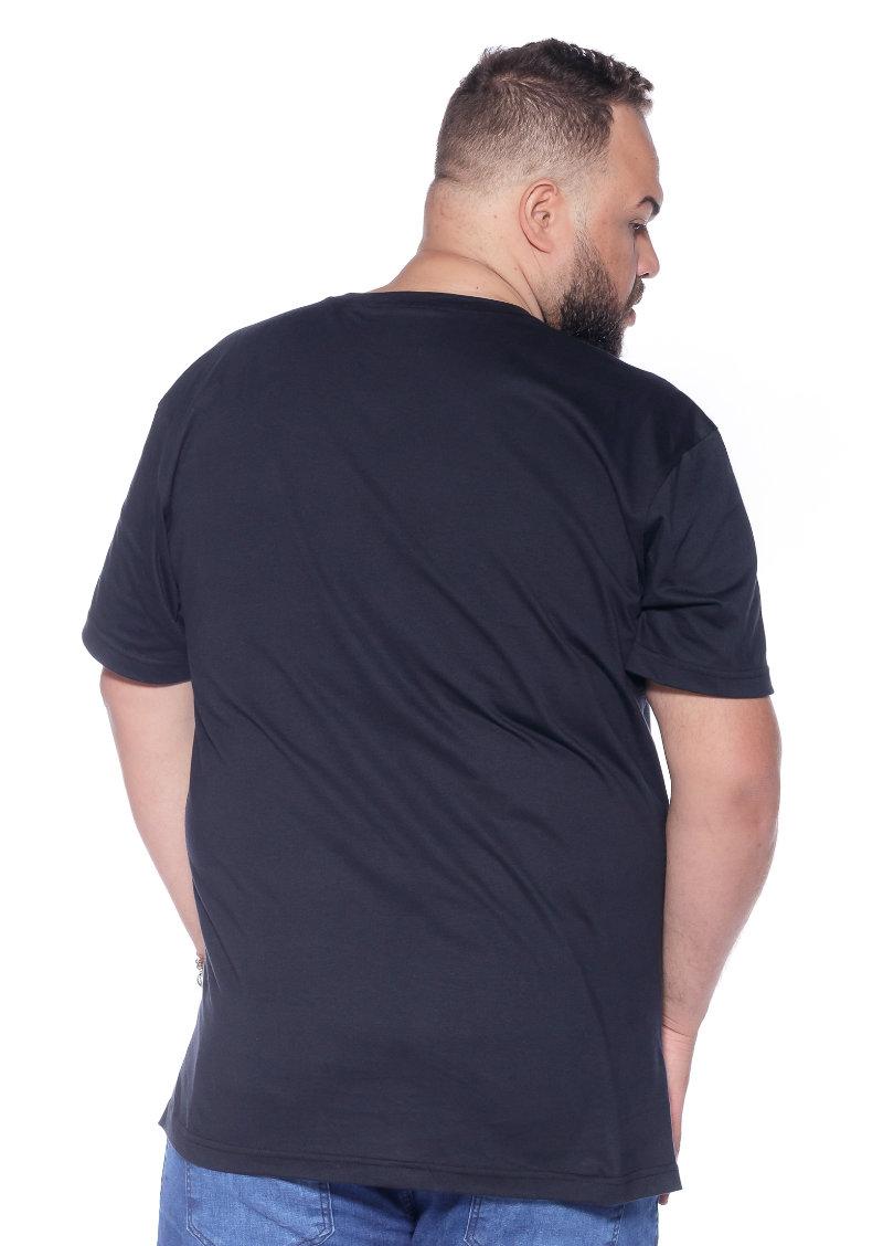 Camiseta plus size Gola V Preta