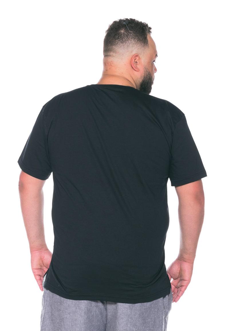 Camiseta plus size Lisa Preta