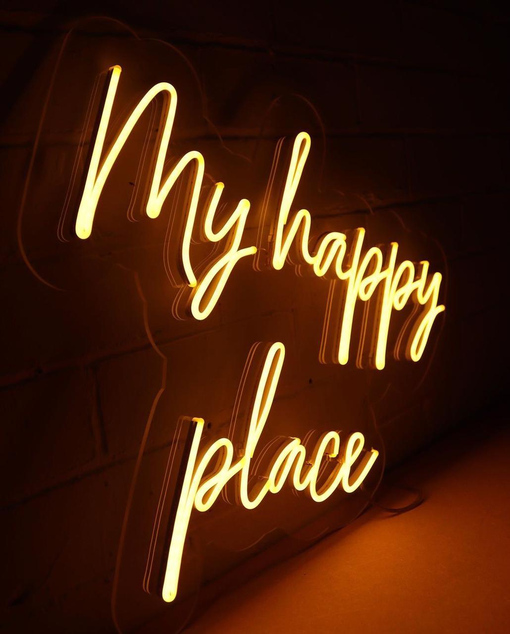 My Happy Place em Painel de Neon