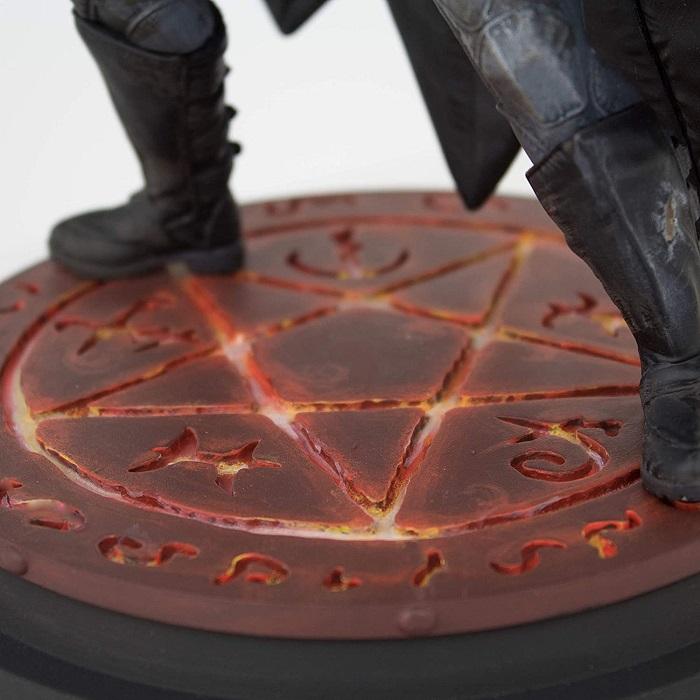 Estatua Batman Damned Edição Limitada - Icon Heroes