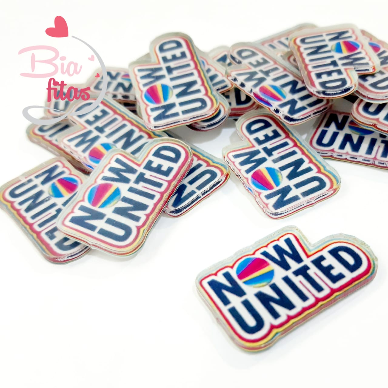 Aplique de Acrilico Now United