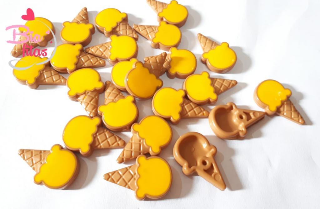 Aplique de Plastico Sorvete de Casquinha Amarelo*