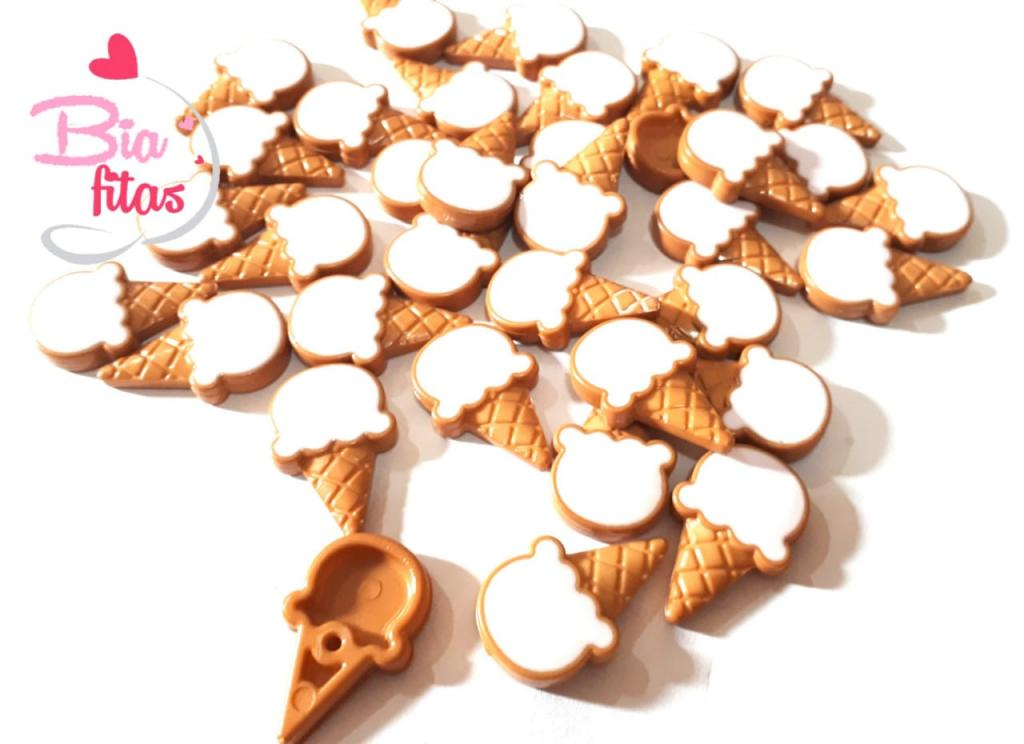Aplique de Plastico Sorvete de Casquinha Branco*