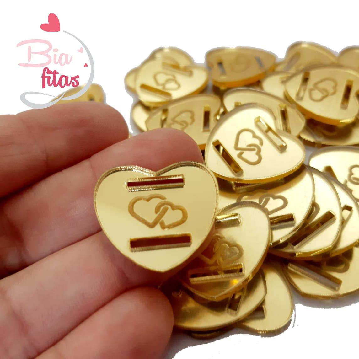 Aplique Passa Fita Coração Dourado