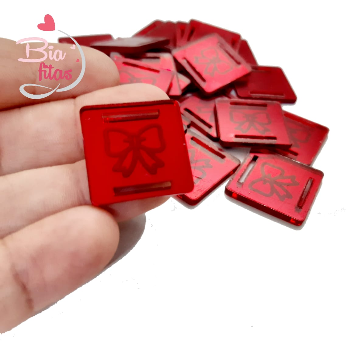 Aplique Passa Fita Laço Vermelho