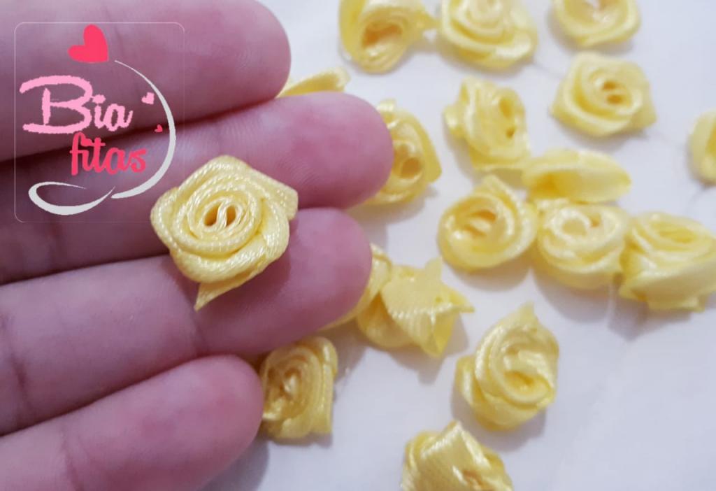 Mini Flor Rococó Amarelo Claro 16