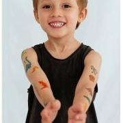 Tatuagem temporária infantil e livreto de colorir