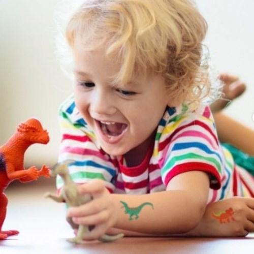 Tatuagem temporária infantil e quebra cabeças