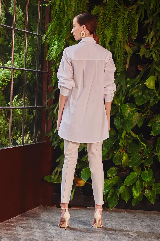 Camisa tricoline bordado rechilieu botões de madripérola acompanha faixa