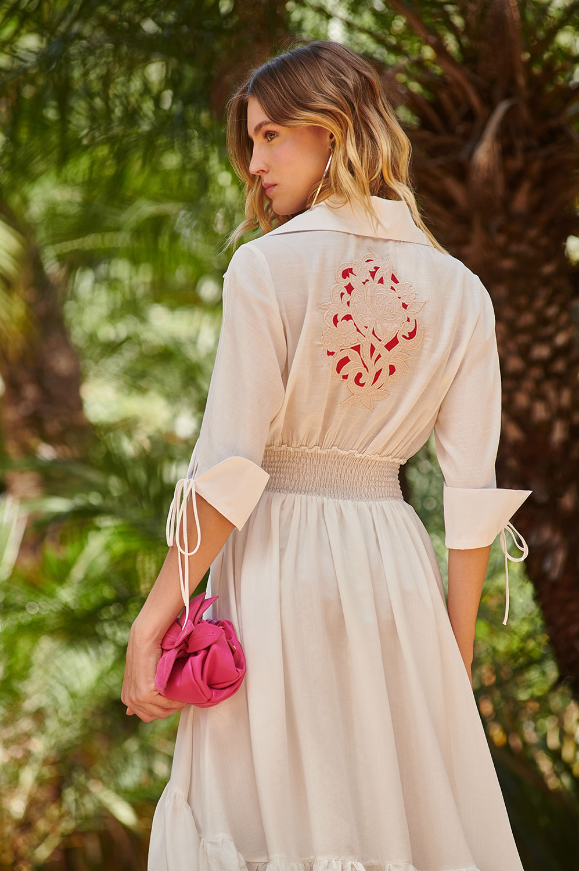 Vestido chemise bordado rechilieu