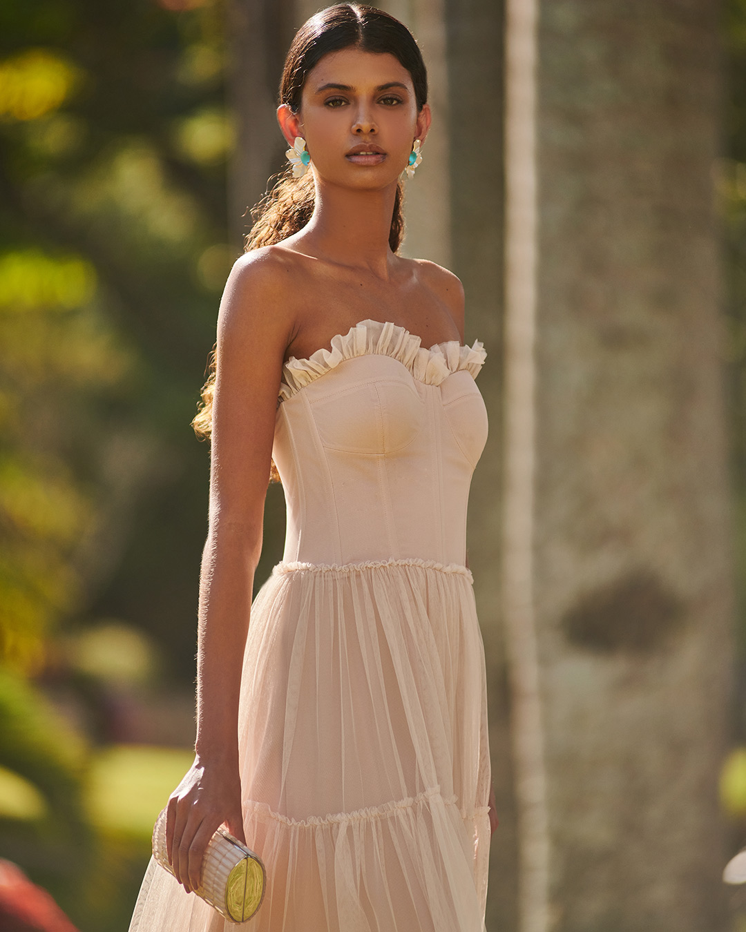 Vestido corselet de tule com mangas avulsas