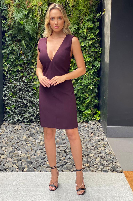 Vestido curto tubo de crepe