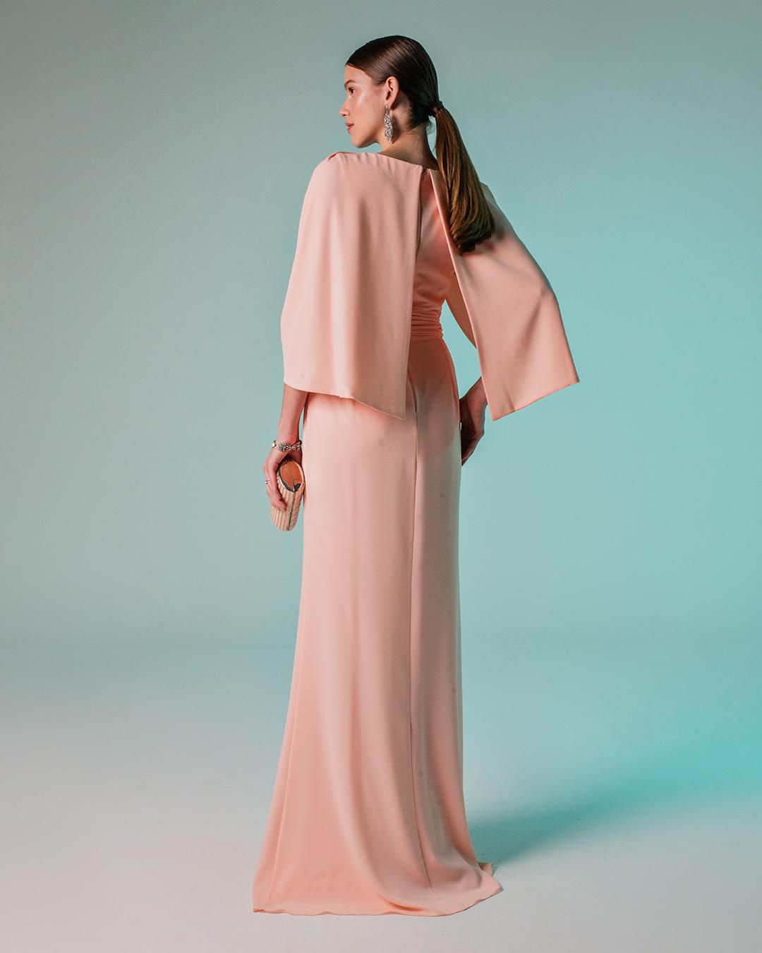 Vestido de crepe fluido com pregas no ombro