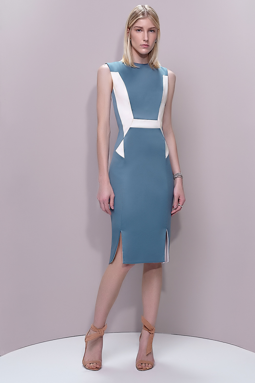 Vestido geométrico duas fendas