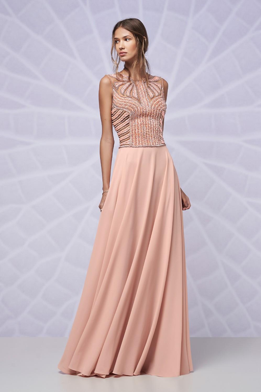 Vestido longo bordado corpo