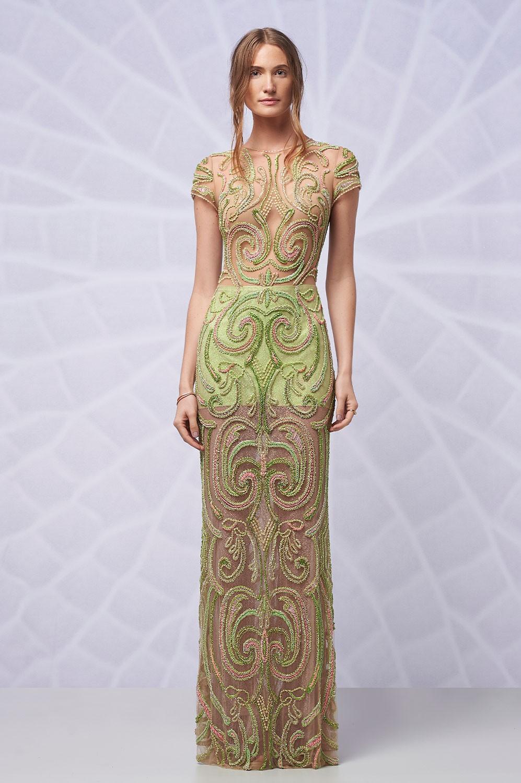 Vestido longo bordado short com manguinha