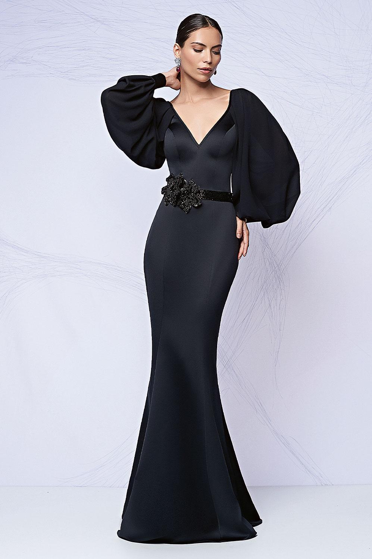 Vestido longo com cinto bordado