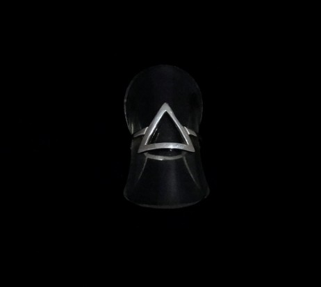 Anel de Prata Triângulo Vazado Grande