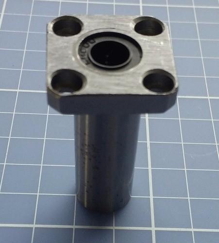 Rolamento Linear Longo 8mm Com Flange Lmk8luu - Cnc / 3d