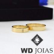 Aliança de Casamento Ouro Polida Com Pedras 4,5mm 8g MJO22