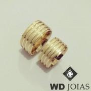 Aliança de Ouro 18k Lisa com frisos diamantados 10mm WD8706