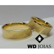 Alianças de Ouro Polidas e Bordadas 8mm 18g WD9009