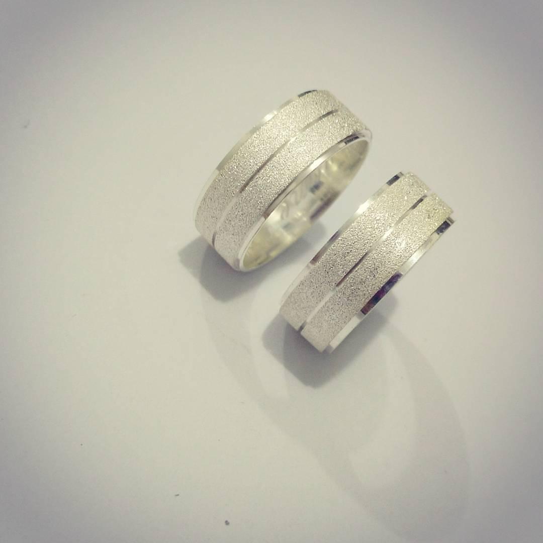 Aliança Compromisso Prata Polida e Diamantada 7mm 12g MJP25